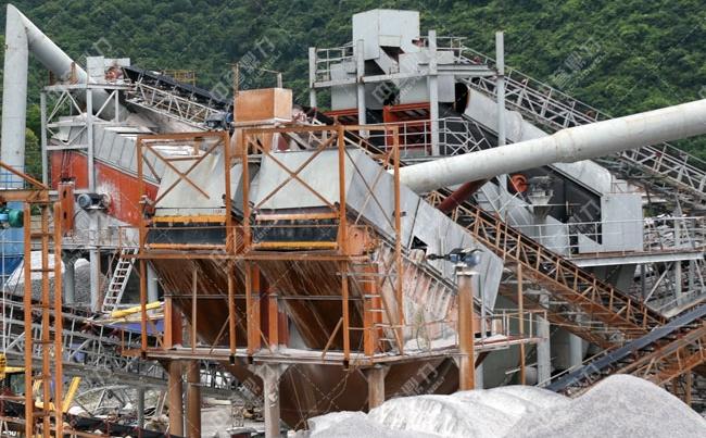 广西时产600吨锤式粉碎机在采石场的应用